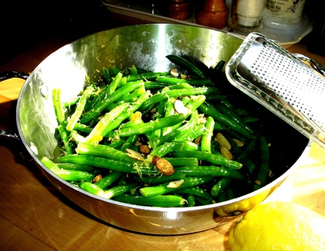 Green Beans With Toasted Almonds and Lemon Zest
